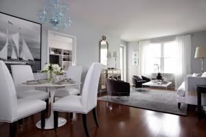 55 Melrose Livingroom_b_112
